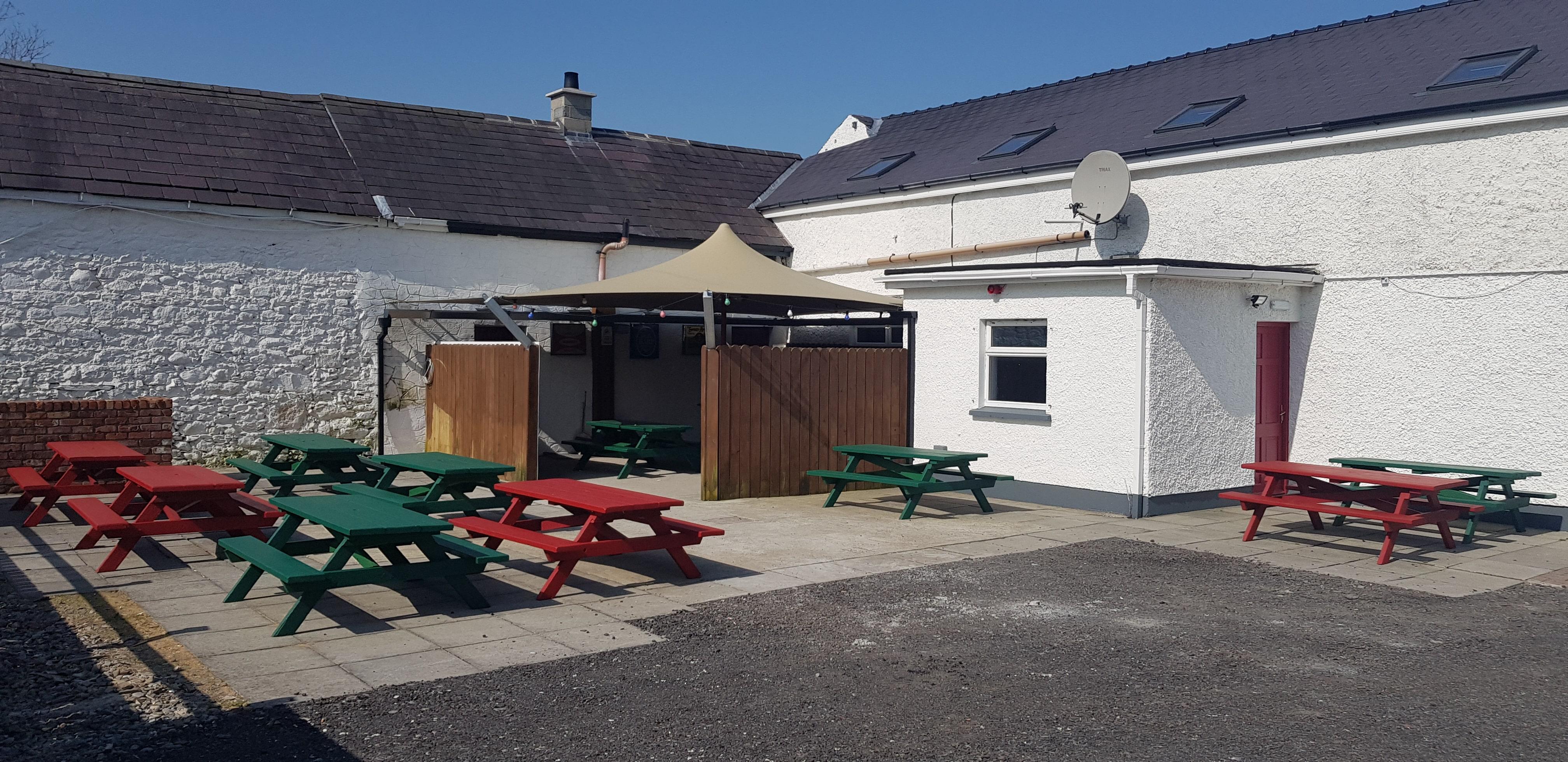 Lumpers Bar Beer Garden at back of Pub